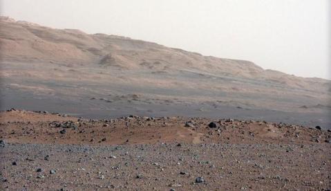 169017_foto-permukaan-mars-yang-diambil-rover-curiosity_663_382